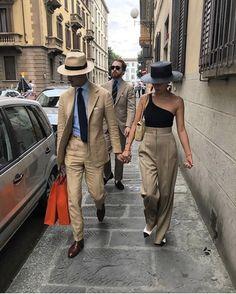 Mens Fashion Rugged – The World of Mens Fashion Fashion Couple, Look Fashion, Mens Fashion, Fashion Outfits, Fashion Styles, Fashion Weeks, Milan Fashion, Runway Fashion, Stylish Couple