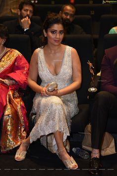 Shriya Saran during an award function Indian Actress Pics, South Indian Actress, Beautiful Indian Actress, Beautiful Asian Girls, South Actress, Actress Photos, Beautiful Celebrities, Beautiful Actresses, Kids Party Wear Dresses