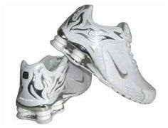 womens nike shox torch running sneakers. silver. yes please )