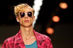 Modewoche Berlin: Der Schweizer Modemacher Julian Zigerli kreierte Mode für Männer. (Bild: epa)