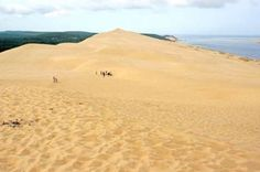 Located along the Atlantic seashore in the southwest of France, the Dune of Pilat is the highest dun... - Dennis Jarvis/Flickr