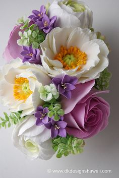 Clay floral arrangement by dkdesignshawaii. I wonder if they could create a copy of a bride's bouquet in clay? Paper Flowers Craft, Felt Flowers, Flower Crafts, Flower Art, Beautiful Flowers, Sugar Paste Flowers, Cold Porcelain Flowers, Beautiful Flower Arrangements, Floral Arrangement