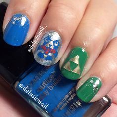 Legend of Zelda nail art with triforce and Hylian Shield #geek #nailart #nails