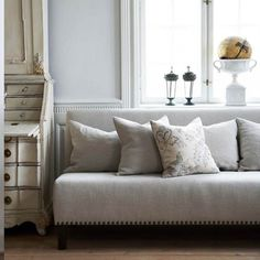 ❥ sofa~ www. Couch Cushions, Sofa, Shabby Home, Living Spaces, Living Rooms, European House, Beautiful Interiors, Furniture Design, Furniture Ideas
