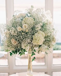 Amazing #babysbreath floral arrangement perfect for a #rusticwedding! From @deerpearlflowers. by snippetandink