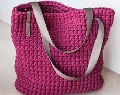Beaded Crochet Bags – New Cheap Bags Shopper Bag, Tote Bag, Tshirt Garn, Crochet Shoulder Bags, Classic Handbags, Recycled T Shirts, Crochet Tote, En Stock, Everyday Bag