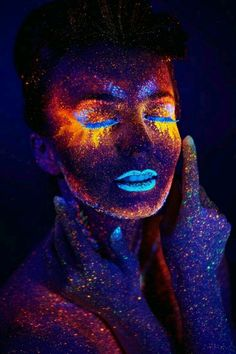 Read more body painting art, neon painting, body art paintings, paintings o Uv Makeup, Makeup Art, Glitter Makeup, Beauty Makeup, Exotic Makeup, Witch Makeup, Fairy Makeup, Mermaid Makeup, Beauty Art