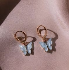 ℓιℓу вяσσкє 🔥 @blacktangledhrt Cute Jewelry, Jewelry Box, Jewelery, Silver Jewelry, Butterfly Earrings, Fashion Accessories, Jewelry Accessories, Pinterest Jewelry, Blue Gold