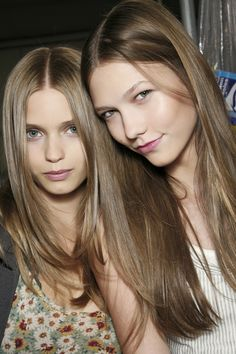 Abbey Lee Kershaw & Karlie Kloss backstage at BCBG Max Azria Spring 2009 karlie looks so young and abbey <3