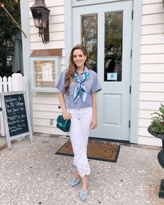 Gal Meets Glam Daily Look featuring Julia wearing a Theory top, Hermès scarf, Rebecca Taylor jeans and Malone Souliers flats, carrying a Chanel bag. Adrette Outfits, Preppy Outfits, Classy Outfits, Spring Outfits, Fashion Outfits, Preppy Fashion, Outfit Summer, Womens Fashion, Preppy Mode