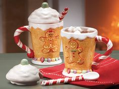 Set of 2 Gingerbread Mugs with Lid and Spoon