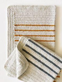 Herringbone Half Throw, free pattern from Tiffany of Daisy Farm Crafts. Worked i Herringbone Half Throw, free pattern from Tiffany of Daisy Farm Crafts. Annie's Crochet, Manta Crochet, Learn To Crochet, Crochet Crafts, Crochet Projects, Crochet Hooks, Crochet Mandala, Crochet Ideas, Afghan Crochet Patterns