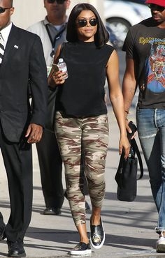 How to Wear Leggings as Pants and Not Look Tacky - Leggings Black - Ideas of Leggings Black - Camo leggings black muscle T and leather slip on sneaks! Grey Camo Pants, Camo Leggings Outfit, How To Wear Leggings, Leggings Are Not Pants, Women's Camo, Print Leggings, Black Leggings, Black Pants, Camo Fashion