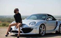 """""""All eyes on YOU""""... NO the Porsche!"""