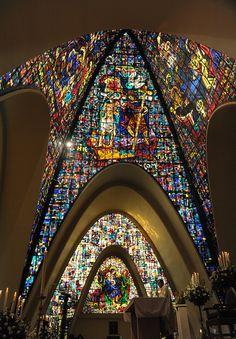 Clásicos de Arquitectura: Capilla de los Santos Apóstoles del Gimnasio Moderno / Juvenal Moya Cadena