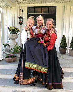 For en helg💃🏼🇳🇴 Gratulerer så mye , du er UNIK ❤️🇳🇴 Glad i deg😍 - - - - - - - - - - - - - - - - - - - - - - - - - - - - - - - -… Amazing People, Good People, Folk Costume, Costumes, Norwegian Clothing, Bridesmaid Dresses, Wedding Dresses, Norway, Jr