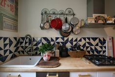 """How sweet is this short splash? We love the blend of Navy and White, try this in our 3"""" triangles in Navy Blue and White Wash in a randomized pattern."""
