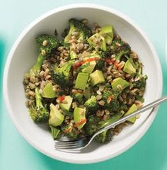 Lunch: Spicy Vegetarian Bowl: broccoli roasted w olive oil, cooked farro w parsley, steamed lentils and avocado. sriracha