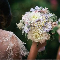 Happiness #wedding #bouquet #lace #pastel #flower #floraldesign #floraldesign #tailored #sartoriafloreale #dress #dream #sposa #bride #picoftheday #nofilter #italianwedding #wife #wed #love #happiness #flowerlovers photo by @andreacittadini  www.sartoriafloreale.it