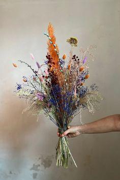 Fresh Flowers, Dried Flowers, Beautiful Flowers, Wedding Bouquets, Wedding Flowers, Dried Flower Arrangements, Flower Aesthetic, Arte Floral, Planting Flowers