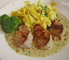 Chefkoch.de Rezept: Medaillons mit Pilz - Sahne - Soße