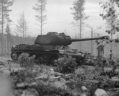 Kesäkuussa 1944 tuhottu Josif Stalin 2 -panssarivaunu