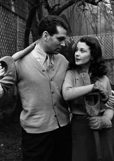 Vivien Leigh and Lawrence Olivier-one of the better love stories of our time!