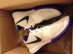 e87f3e20305a02 Mens Nike Kobe Bryant Mentality Basketball Sneakers In White and Purple Size