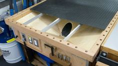 Downdraft, sanding table.