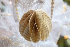 Vintage papír golyó a karácsonyfa a kezüket / Szokatlan kézműves