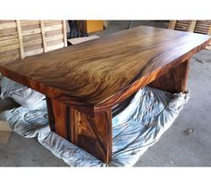 Beautiful wood grains - reclaimed acacia wood table