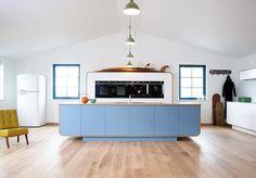 Современная кухня в классическом винтажном стиле от Devol.
