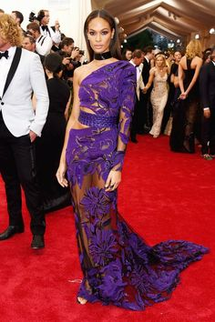 Why It's Okay The Best Met Gala Looks Were Safe #refinery29  http://www.refinery29.com/2015/05/86824/met-ball-2015-best-dressed-red-carpet-pictures#slide-13  Joan Smalls