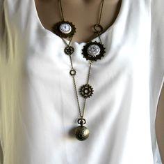 Montre à gousset steampunk, sautoir montre steampunk bronze, cabochons coton, engrenages : Montre par color-life-bijoux