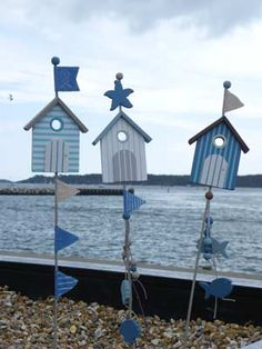 Beach Hut Sticks--Could use pool motifs too