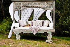 Balinese daybed