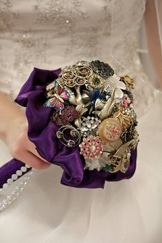 I love seeing Offbeat Bride DIY projects show up in weddings! Indiana Offbeat Bride Conna recently coordinated her bridal brooch bouquet  (DIY tutorial here) with ornament bouquets for her bridesma…