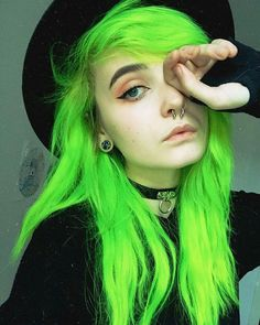 Hair Bundles With Frontal Human Hair Hair Bundles Human Hair Wavy – Hair Color For Green Eyes - Space Neon Green Hair, Green Hair Colors, Cool Hair Color, Hair Colour, Coloured Hair, Dye My Hair, Crazy Hair, Grunge Hair, Pale Grunge