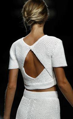 Beautiful knitwear sweater on trend for fall winter Fashion Details, Look Fashion, High Fashion, Womens Fashion, Fashion Design, Winter Fashion, Fashion 2014, Classic Fashion, Fashion Hair