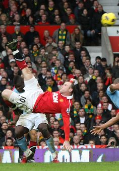 The @manutd forward Wayne Rooney nets a sensational overhead kick against Manchester City in the derby.