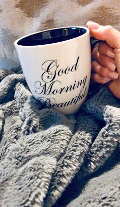 Cute Coffee Mugs, Coffee Love, Coffee Cups, Coffee Cup Photo, Coffee Girl, Happy Sunday Quotes, Thursday Quotes, Morning Quotes, Coffee Pictures