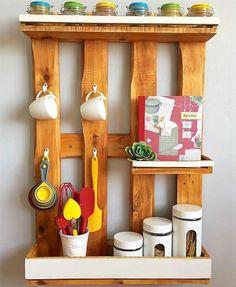 Pallets made kitchen shelf idea pallet ideas wooden shelves, Pallet Shelves, Rustic Shelves, Wooden Shelves, Wood Shelf, Wood Wall, Shelf Furniture, Pallet Furniture, Furniture Ideas, Kitchen Furniture