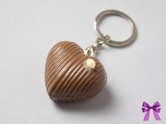 Schlüsselanhänger Praline von  Manus Geschenkekiste auf DaWanda.com
