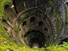 The Initiation Well at Quinta da Regaleira, Sintra, Portugal (by Cheguelo).