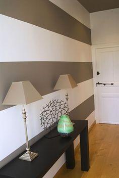 Couloir sans vie.... Decor, Home Decor, Lamp, Lighting
