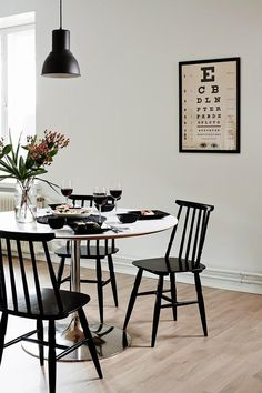 The contemporary home decor inspirations youve been looking for. Dont be afraid to try this incredible home design ideas in your home interior decor! Vintage Home Decor, Vintage Style, Interior Decorating, Interior Design, Contemporary Home Decor, Scandinavian Home, Industrial Dining, Vintage Industrial, Industrial Style
