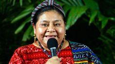 """La líder indígena guatemalteca Rigoberta Menchú, premio Nobel de la Paz en 1992 y premio Príncipe de Asturias en 1998, pidió hoy en Bogotá que tanto las FARC como el Gobierno de Colombia """"cumplan con lo ya pactado"""" para que mañana comiencen los operativos de liberación de diez rehenes uniformados. Ver más en: http://www.elpopular.com.ec/49120-rigoberta-menchu-pide-a-las-farc-y-al-gobierno-que-cumplan-las-liberaciones.html?preview=true"""