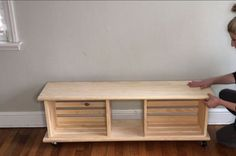 easy crate bench on wheels #woodcrafts
