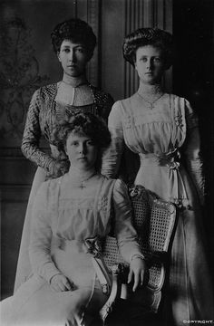 princess louise duchess of fife - With her daughters
