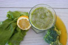 W wolnej chwili...: Warzywno-owocowy orzeźwiający zielony szejk